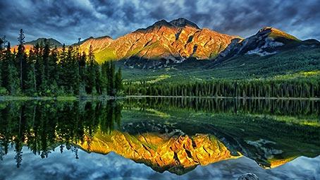 reflections-background