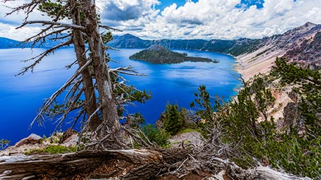 crater-lake-background